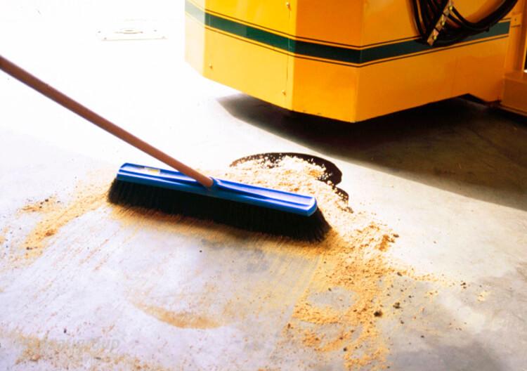 Cách làm sạch hóa chất tràn đổ đơn giản