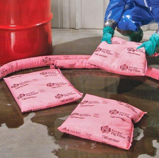 Hấp thu hóa chất tràn bằng gối thấm hóa chất NewPig HR7015