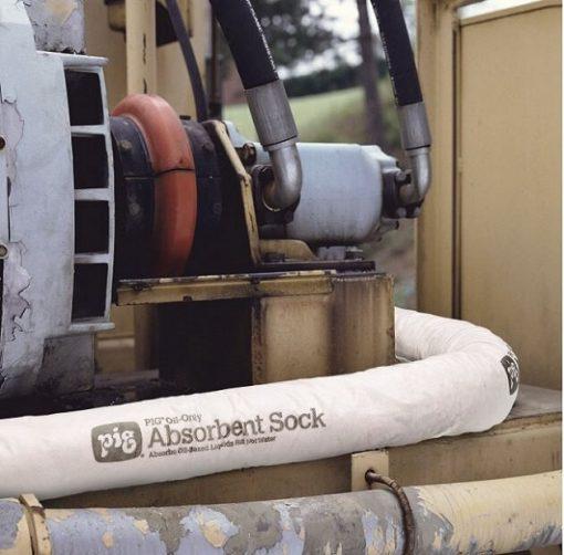 Sock thấm dầu NewPig - Quây các ủ máy để hấp thu các chất lỏng máy rò rỉ